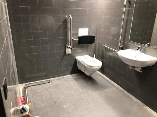 neues multiplex kino cinedome bei bern ist ein vorbild an rollstuhlg ngigkeit. Black Bedroom Furniture Sets. Home Design Ideas